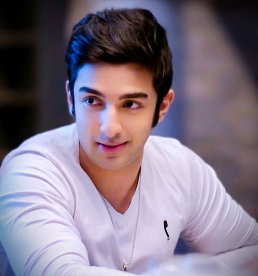 Rohit Suchanti Wiki, Biography, Age, Career, Family, Weight, Height and more.