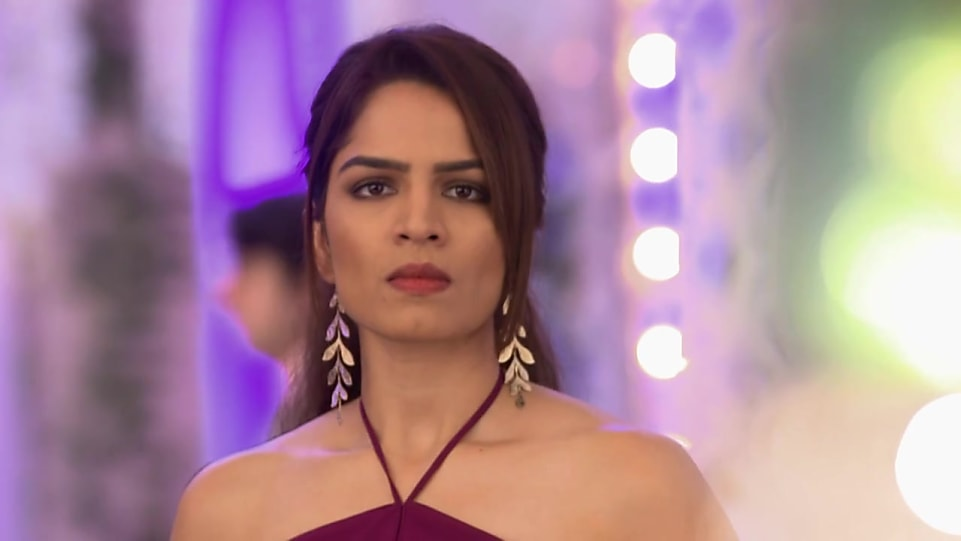 Shikha Singh Wiki, Biography, Age, Husband, Weight, Height, Career.