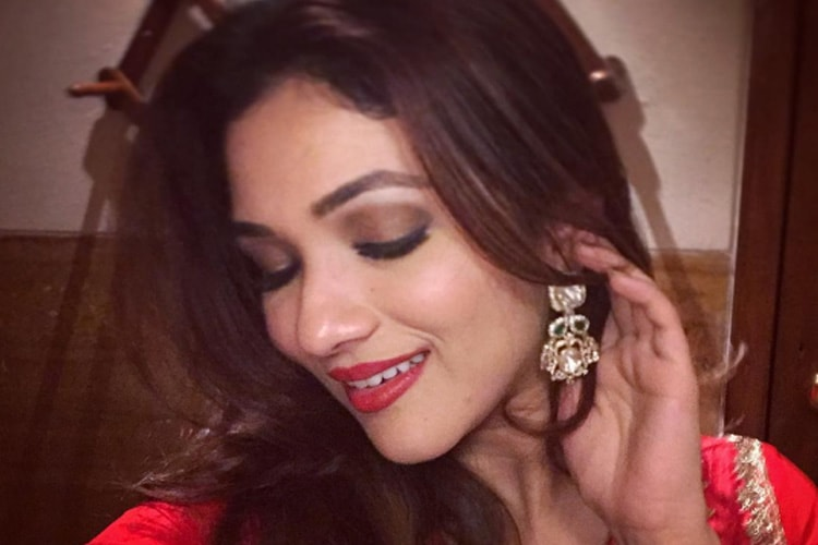 Ridhima Pandit With Makeup