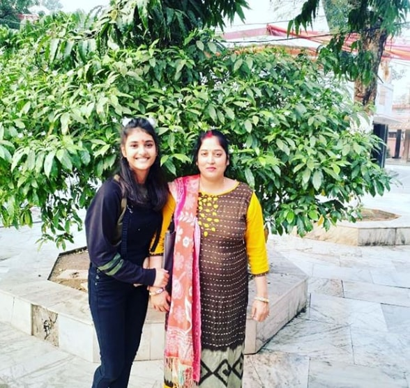 Aditi Pandit with her mother