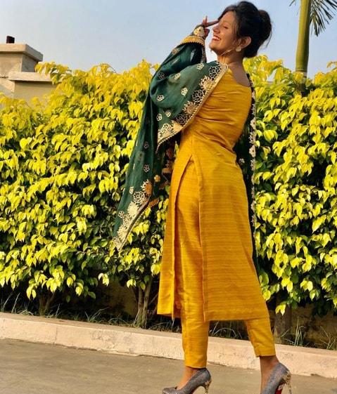 Anjali Arora Hot Images