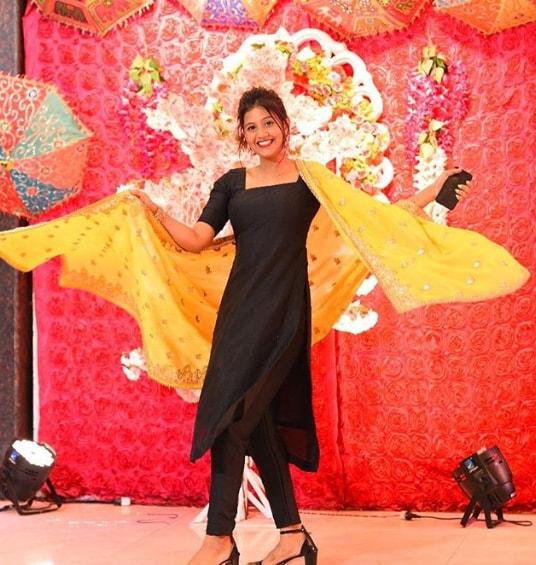 Anjali Arora Tik Tok(anjimaxu), Wiki, Biography, Age, Height, Family, Boyfriend, Net Worth & more.