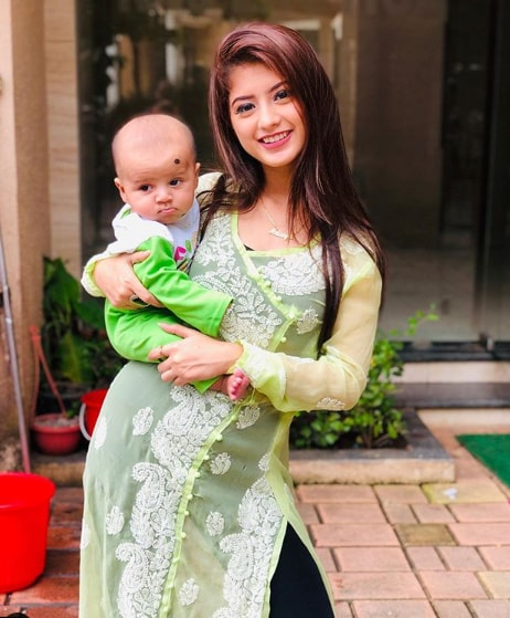 Arishfa Khan with her little brother Arsh