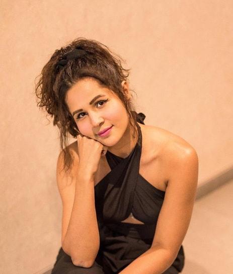 Radhika Bangia Biography, Wiki, Age, Height, Boyfriend, Family, Career & More