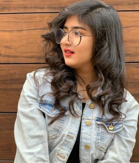 Manika Tahilyani Wiki Biography