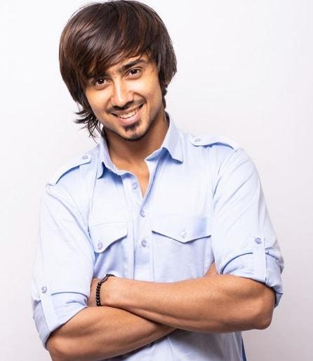 Adnaan Shaikh Wiki, Biography, Tik Tok, Family, Age, Height, Weight, Girlfriend, Lifestyle & Net Worth.