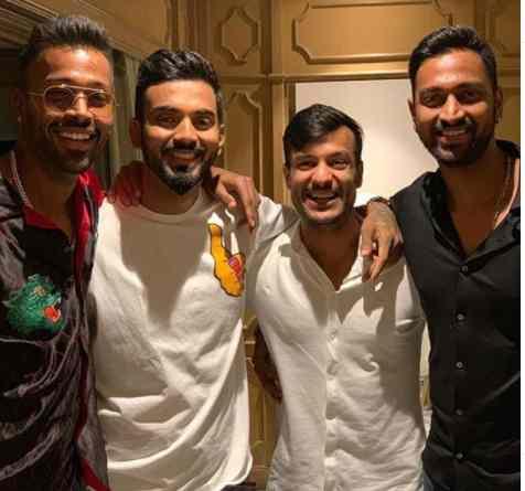 Mayank Agarwal with Pandya Brothers and KL Rahul