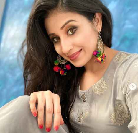 Paridhi Sharma Biography