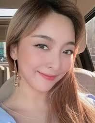 Luna Bright Biography